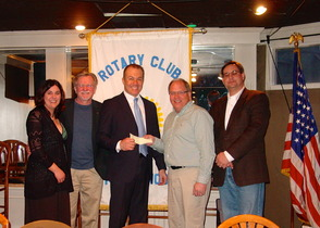 Robert Northfield gives generous donation to Maplewood Rotary Club