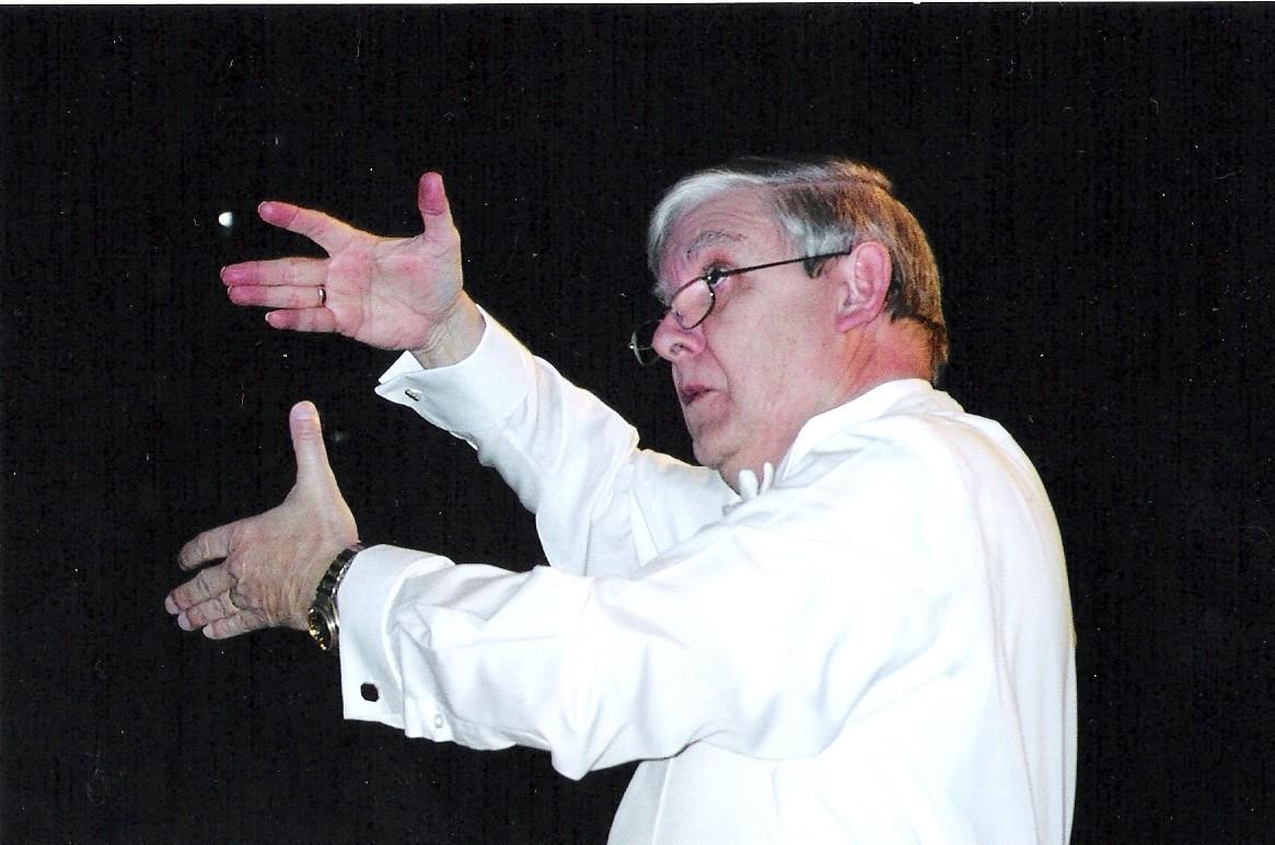 5ae0c843c9fbc0d60b94_R._Wayne_Walters_conducting_courtesy_of_Morris_Choral_Society.jpg
