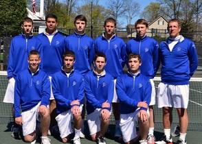 Carousel_image_bf28113e9468249ee02a_tennisteam2