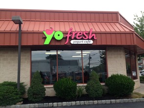 YoFresh Yogurt Café