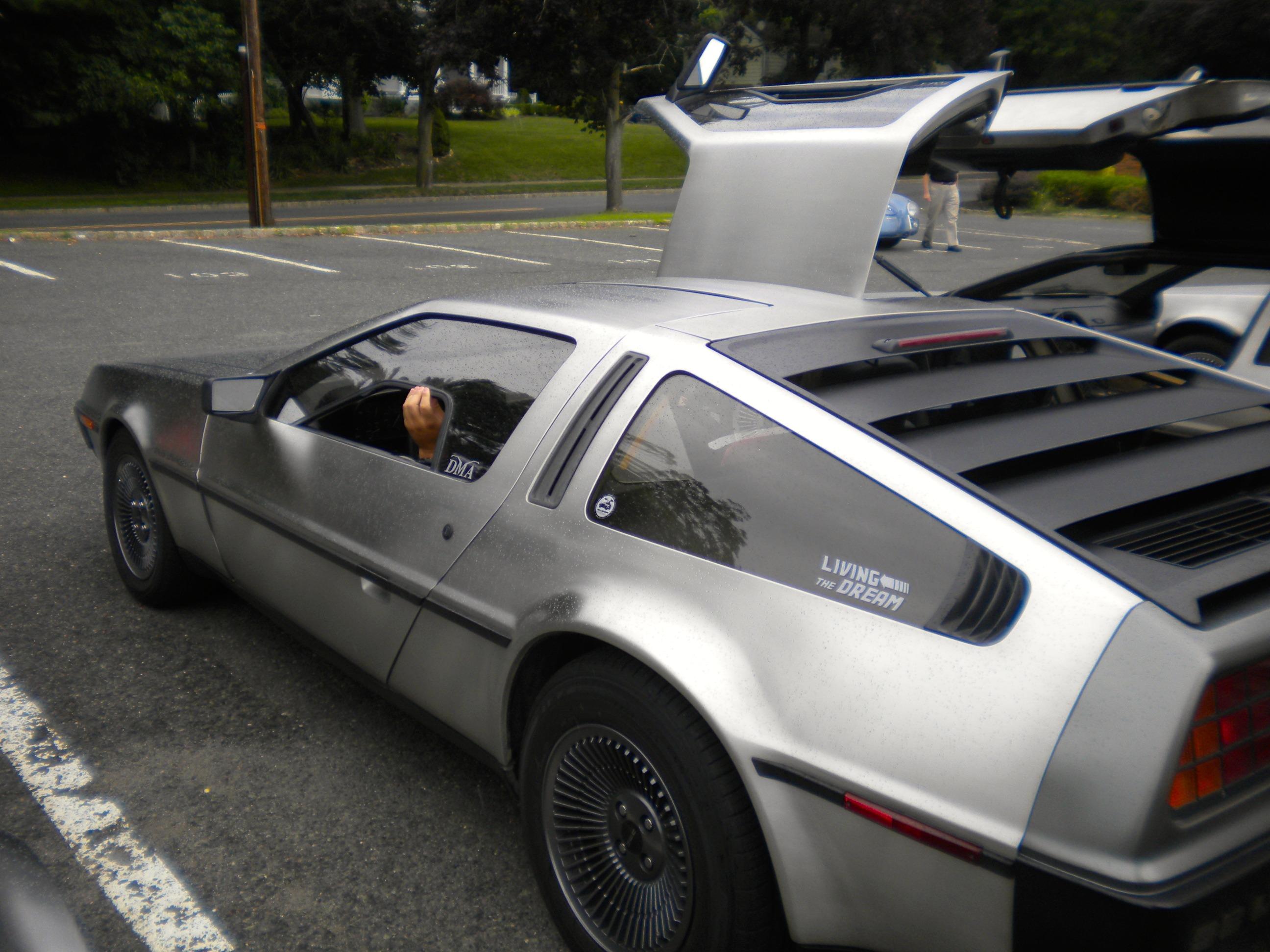 Mid-Atlantic DeLorean Collectors Gather in Chatham