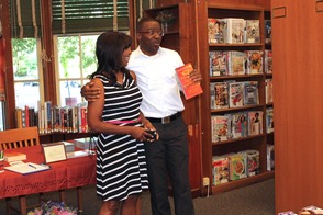 Local Author and TV Personality Put Pens to Books in Roselle, photo 11