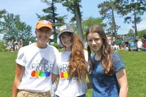 Maddy Petrow-Cohen with Daughters, Jessie and Caroline