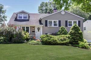Scotch Plains Updated 4 Bedroom Split