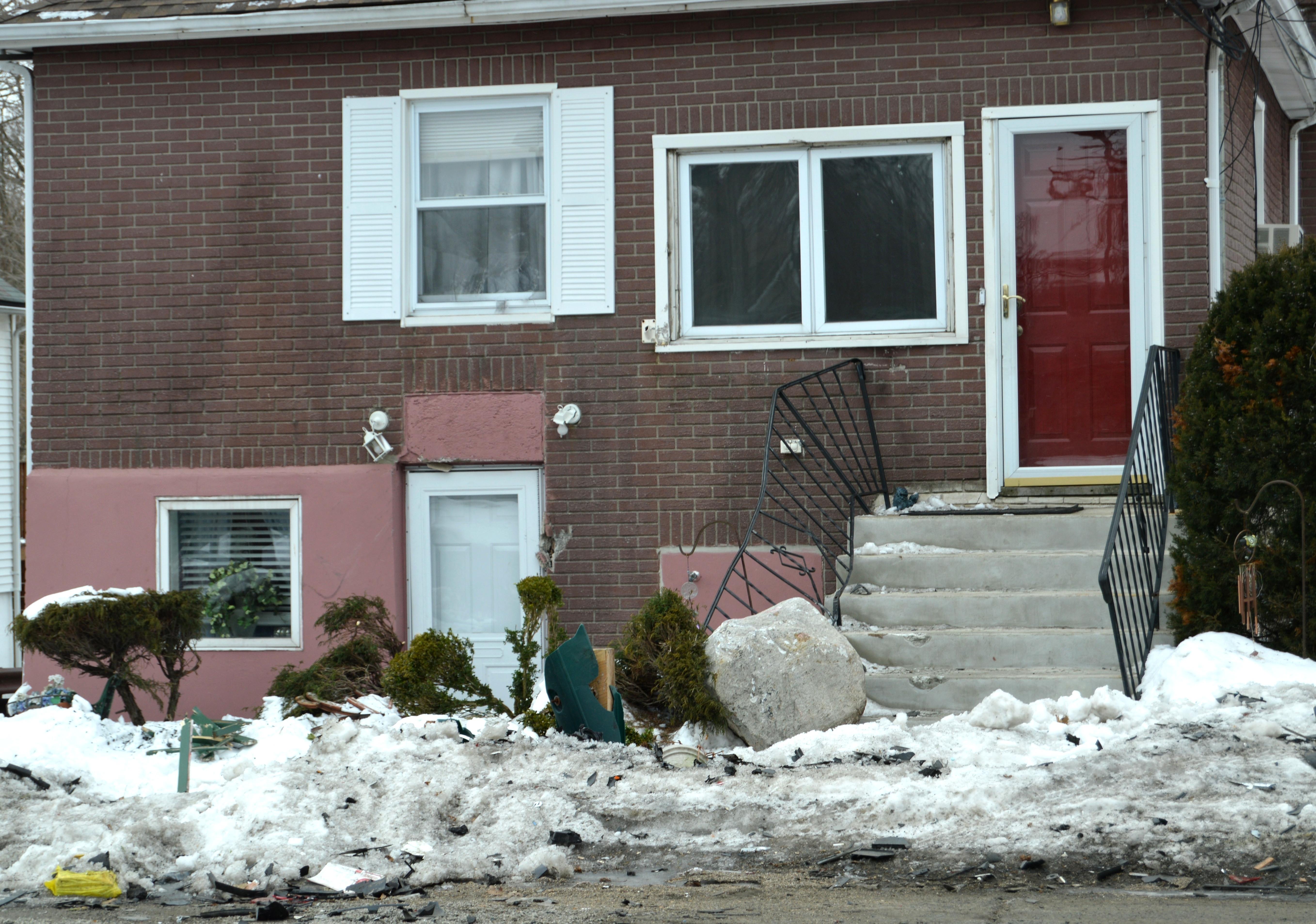 3a0364e6d26b96ce555a_Car_crash_house_on_Plainfield_Ave..JPG