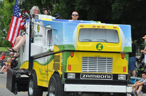 A Skylands Ice World Zamboni with an Eastern Propane motif, glides across the parade route.