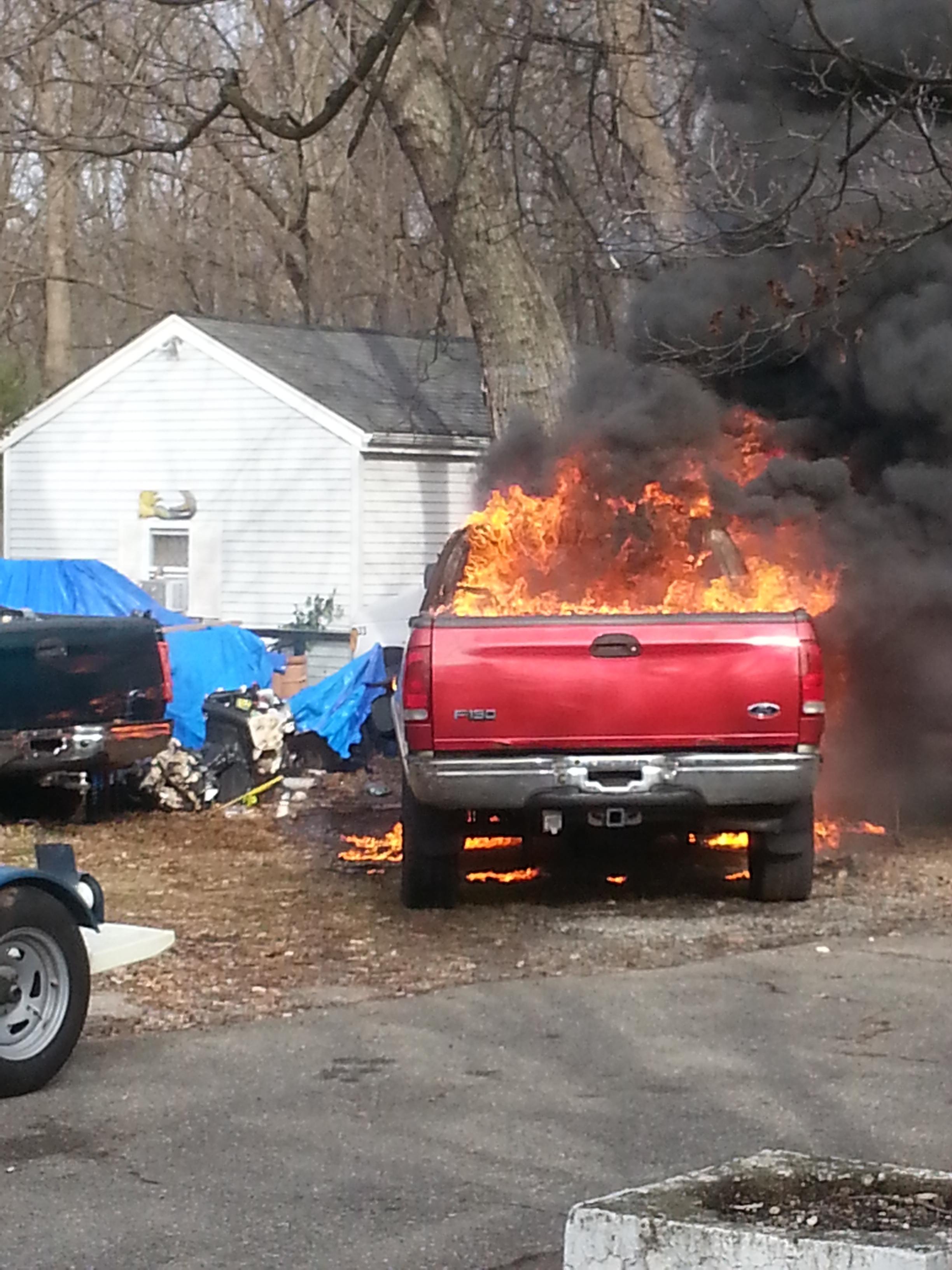 e207a50203f6d3d099ab_Truck_Fire_20_Clinton_Rd__12-11-14_.JPG