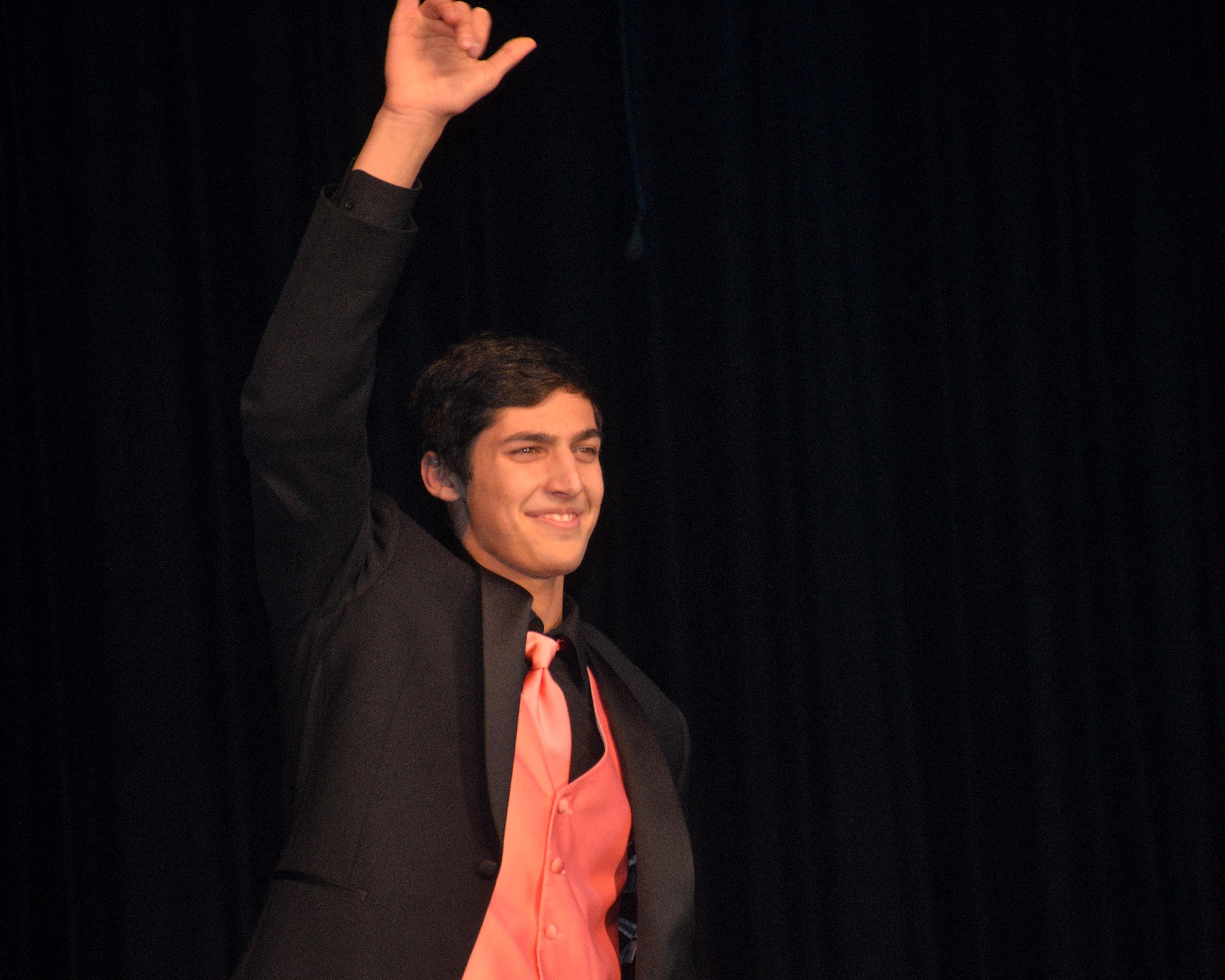 7f63b458920d99b04329_Joey_Buttigheri_acknowledges_the_crowd.JPG