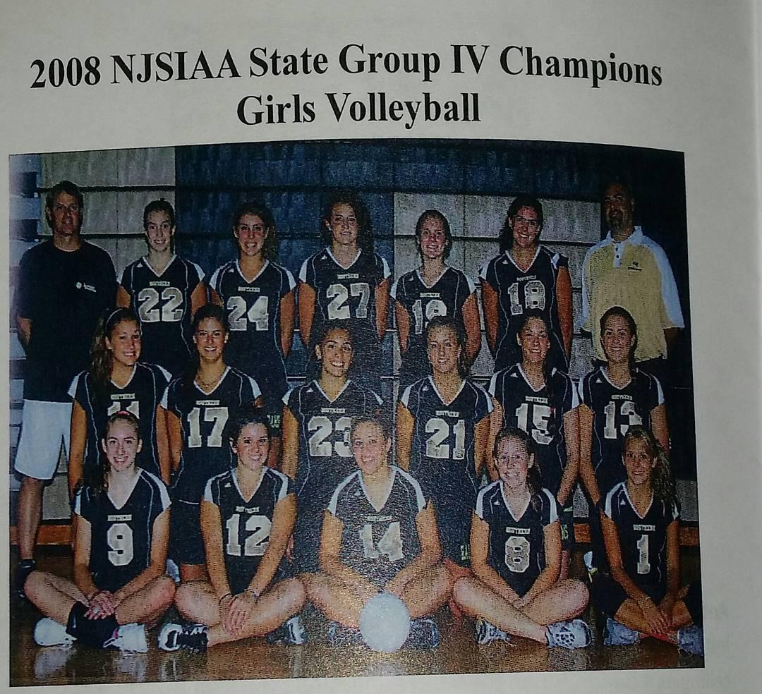 fa648c11c79bd7ea5167_2009_Girls_volleyball_team.jpg