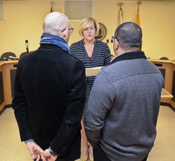 Mayor Mahr performs same-sex marriage in Fanwood