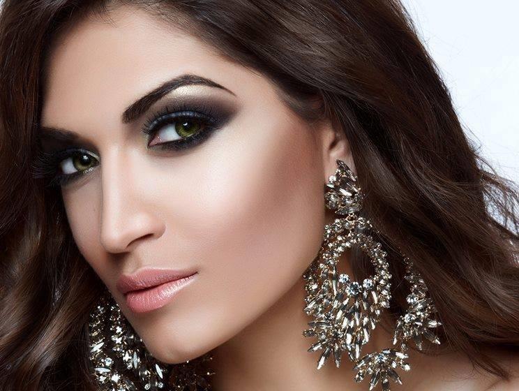 4b989975073efbbbcc23_Miss_World_Close_up.jpg