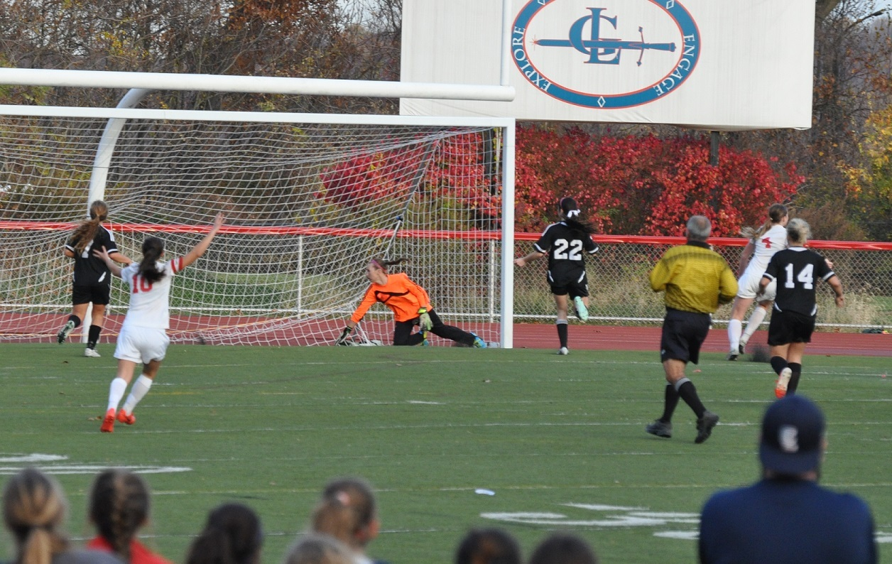8cba3c0026e2657dc5f1_Lindsay_winning_goal_vs_Robbinsville.jpg