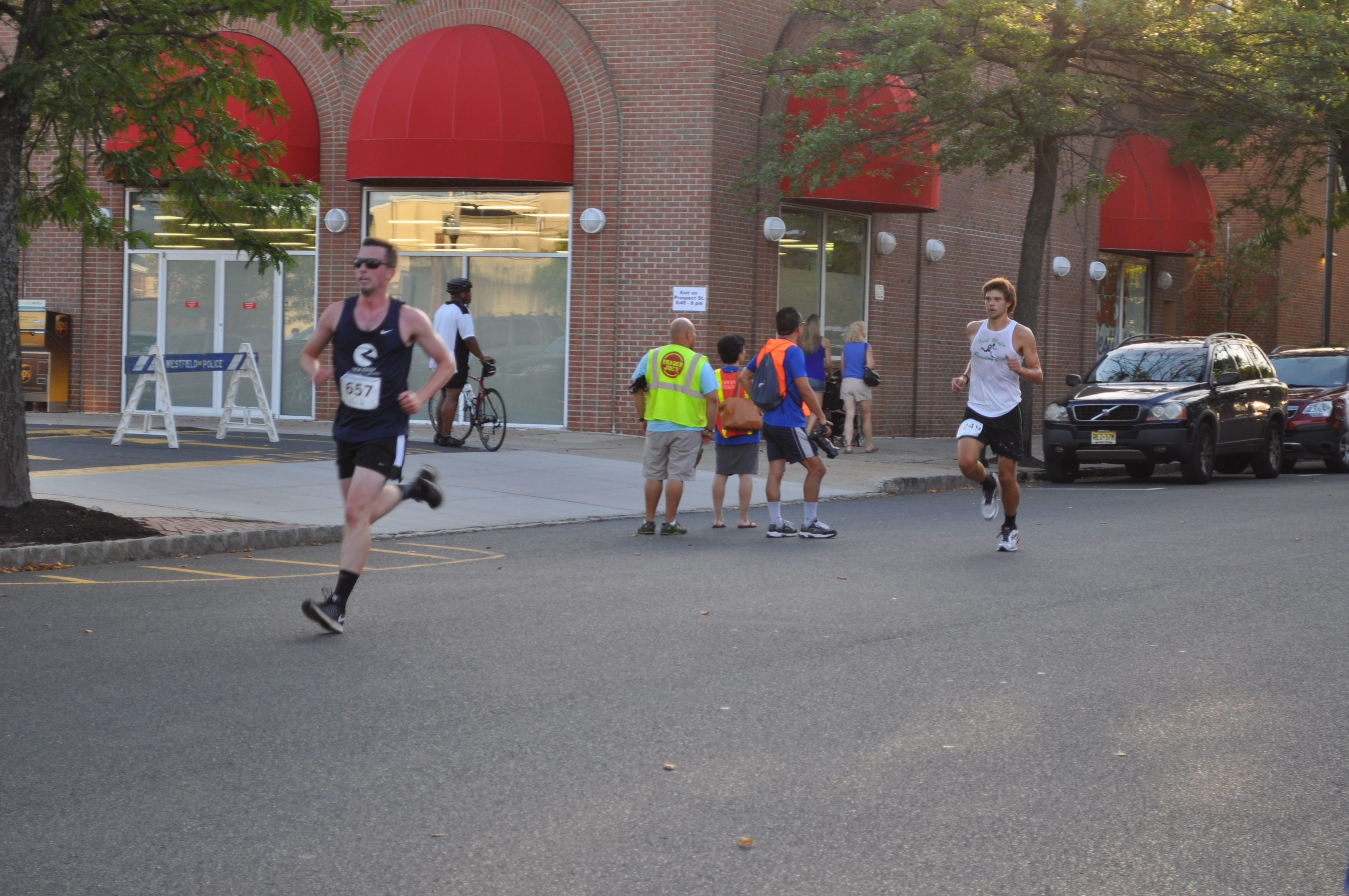 Thousands Converge in Downtown Westfield for Pizza Run