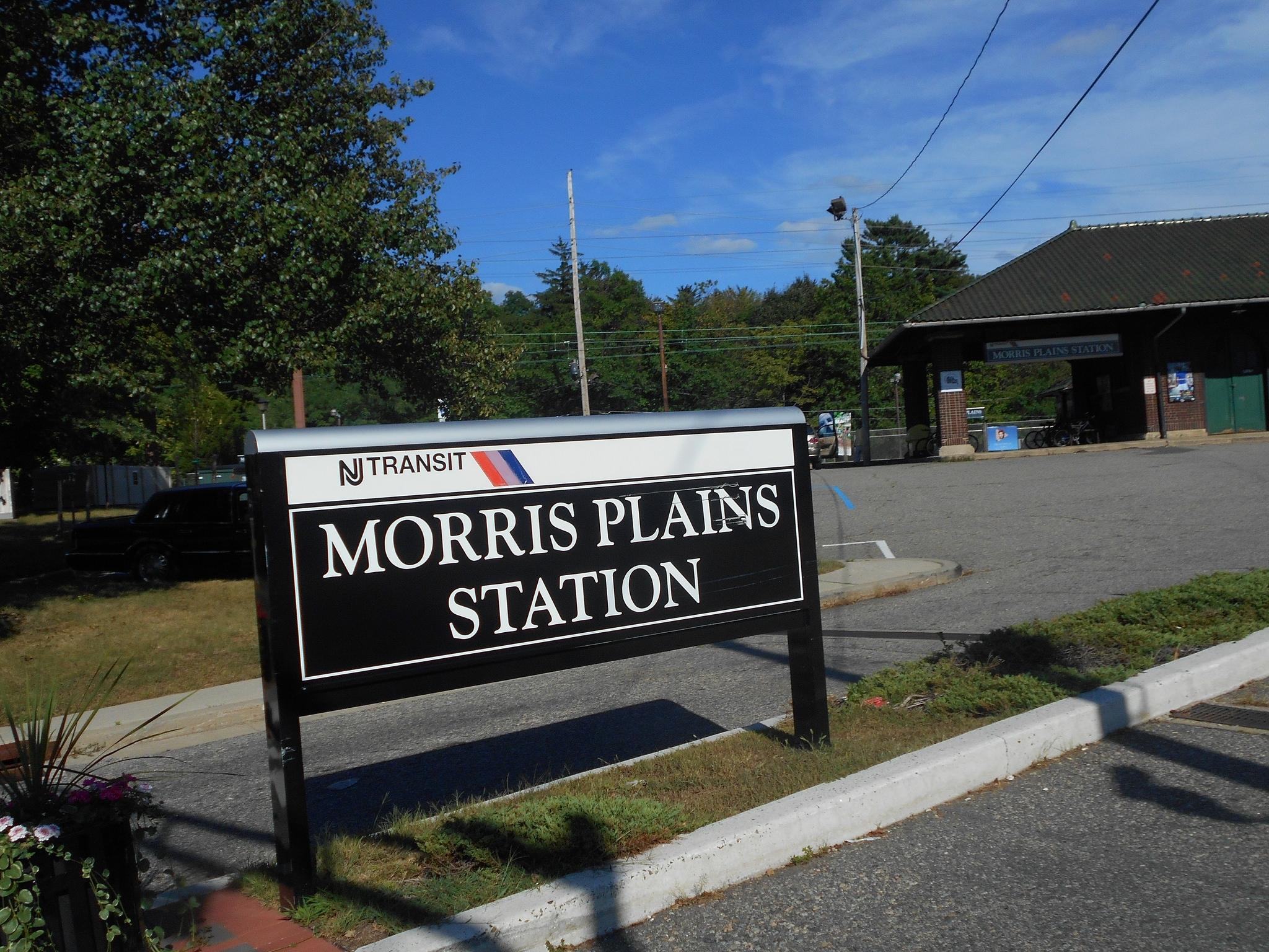 38a64312acaa421d5674_morris_plains_train_station_by_adam_moss.JPG