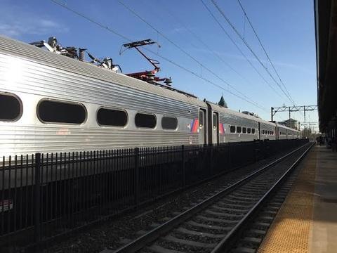 Top_story_38e19c6e3b2f017d70ff_south_orange_train_2