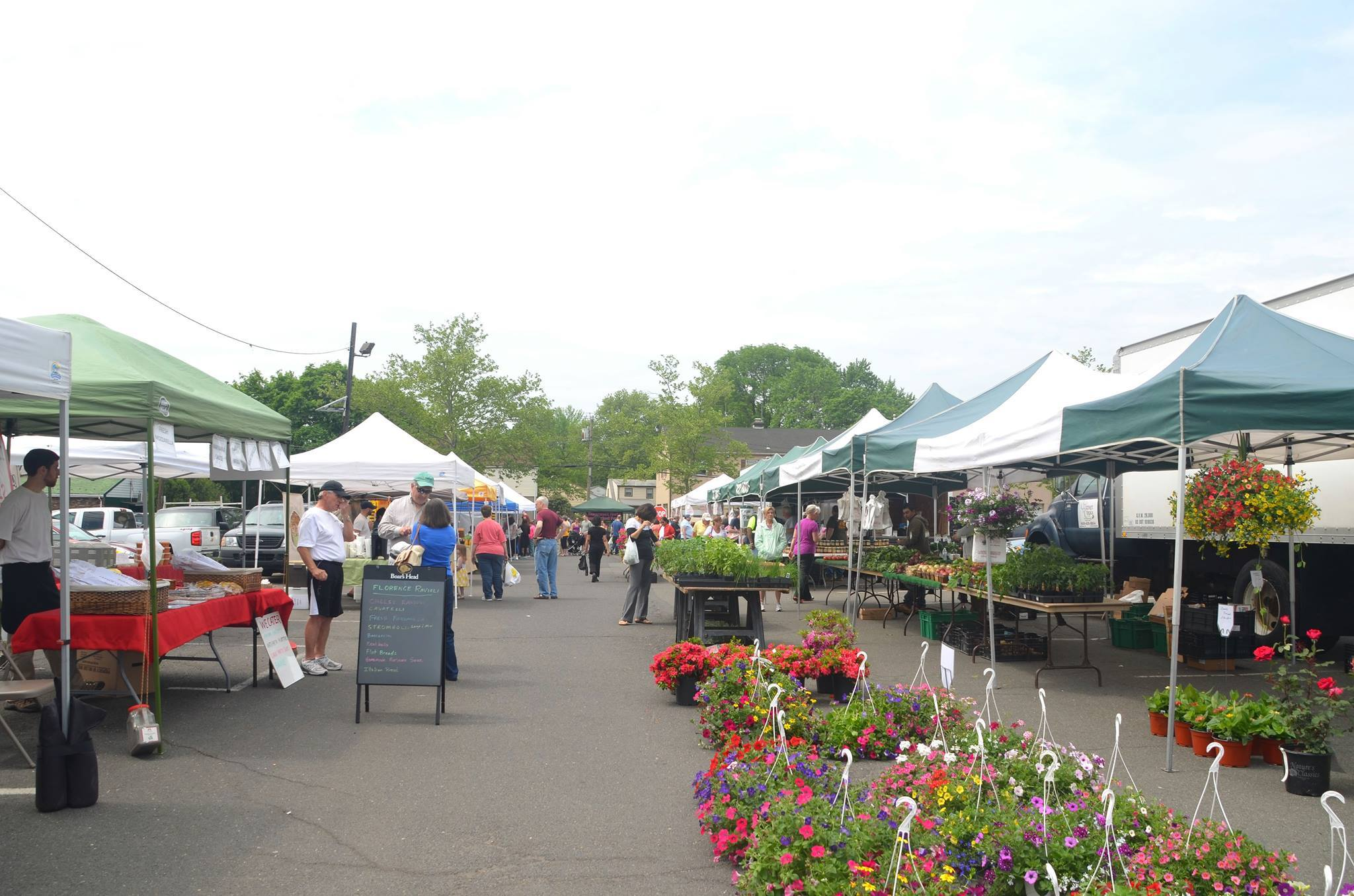 24b67b61f4a3975bf498_scotch-plains-farmers-market2.jpg