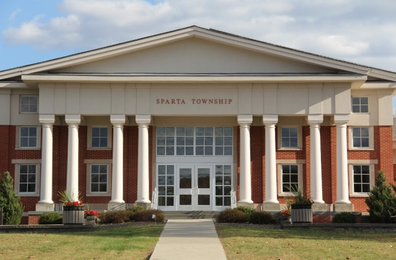 9cb71c581030408f1d52_Town_Hall_building_2__800x533___2_.jpg