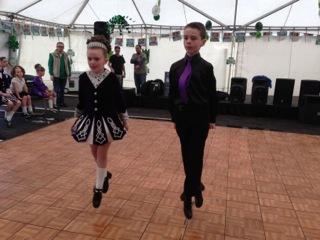 efa942f2293f8151988f_irish_dancers.jpeg