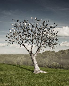 Summit's New Tree Sculpture
