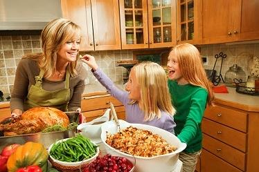 7ceb2e2854a335119ed9_Jolin_Mom_and_Girls.jpg