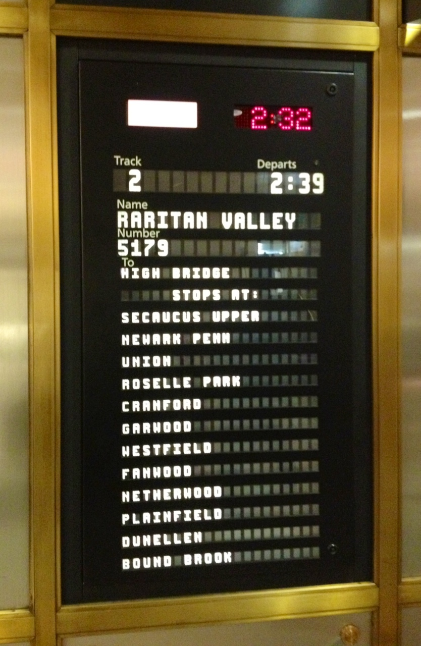 26f4bf132eae6124f32a_Raritan_Valley_sign_239_train_to_NYC.jpg
