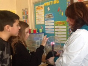 "Third Grade Experiences Electrifying ""Edison Workshop"" , photo 7"