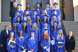 Carousel_image_eb14cf24e68a6de7b0fd_graduation_203