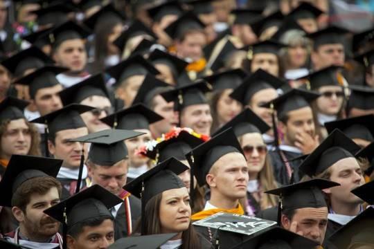 Top_story_542c03c8159f30367d2e_lafeyte_graduation