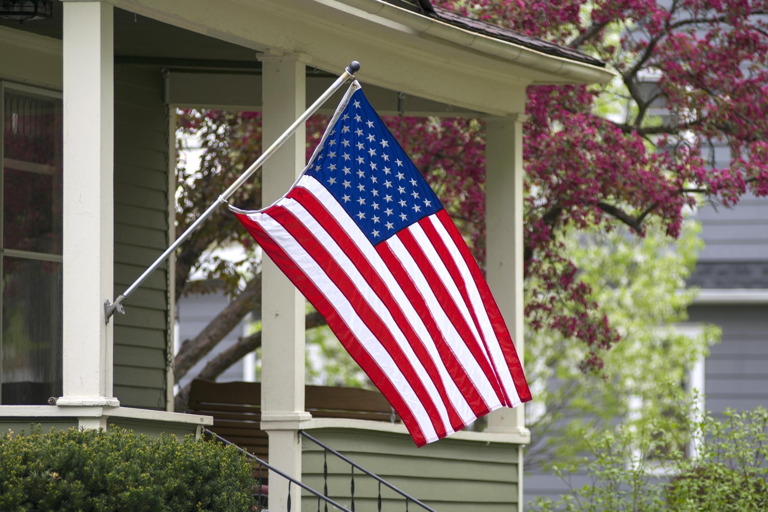 c326880a6aa1c8b266f9_American_Flag.jpg