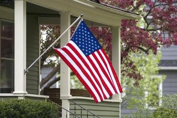 Top_story_c326880a6aa1c8b266f9_american_flag