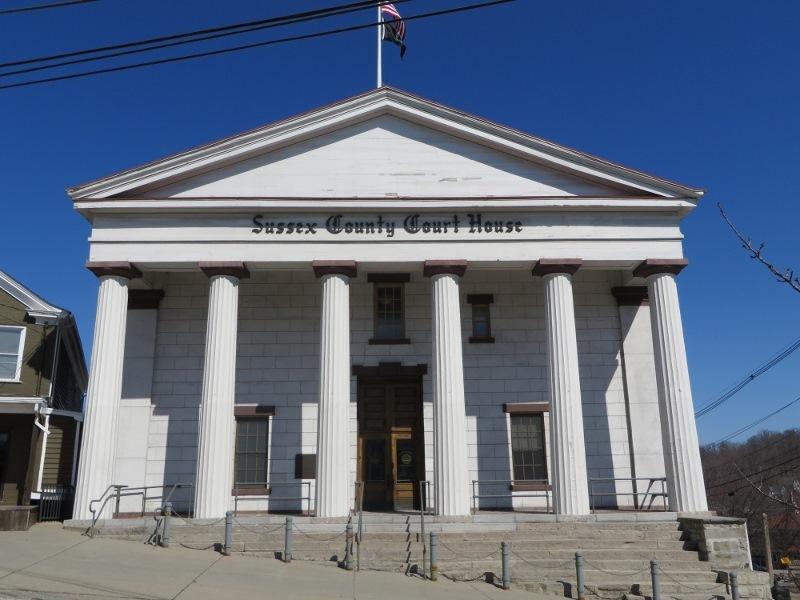 b24d9eac9905950ef8c6_County_court_house__1_.jpg