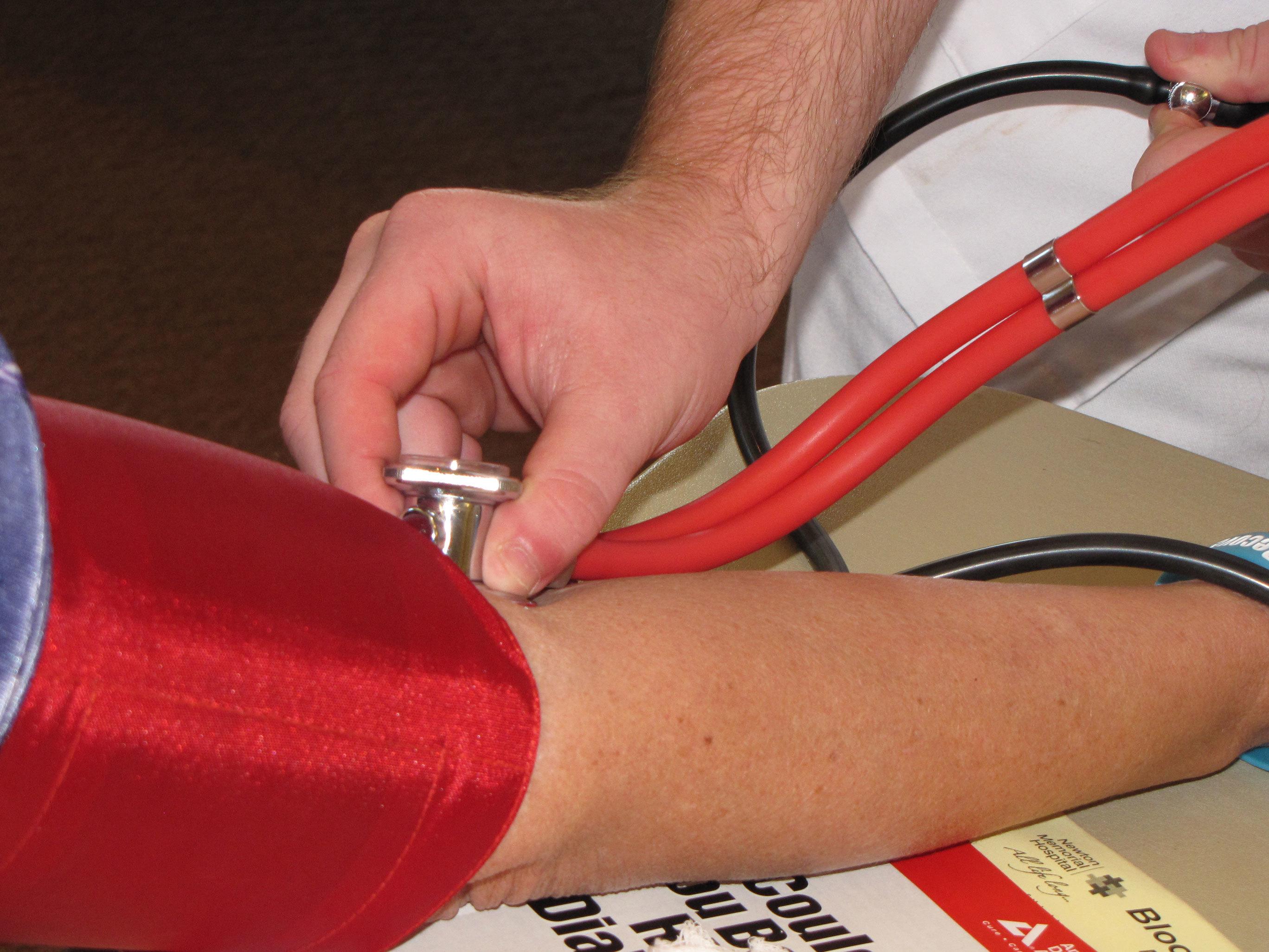 1594410e7e8e826cc3b7_blood-pressure-close-up.jpg