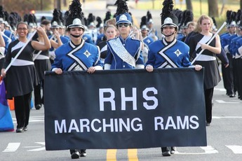 Top_story_6c049f28d096a095042c_marchingband4