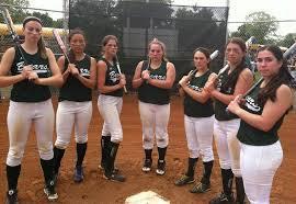 81eae391fe3ce429c2ec_Girls_softball.jpg