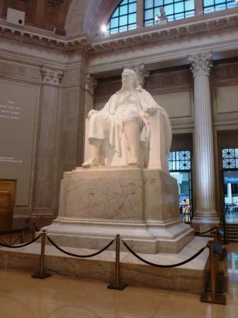 197b8cf7e4a1d3effa25_ben_frankin_statue_at_franklin_institute.JPG