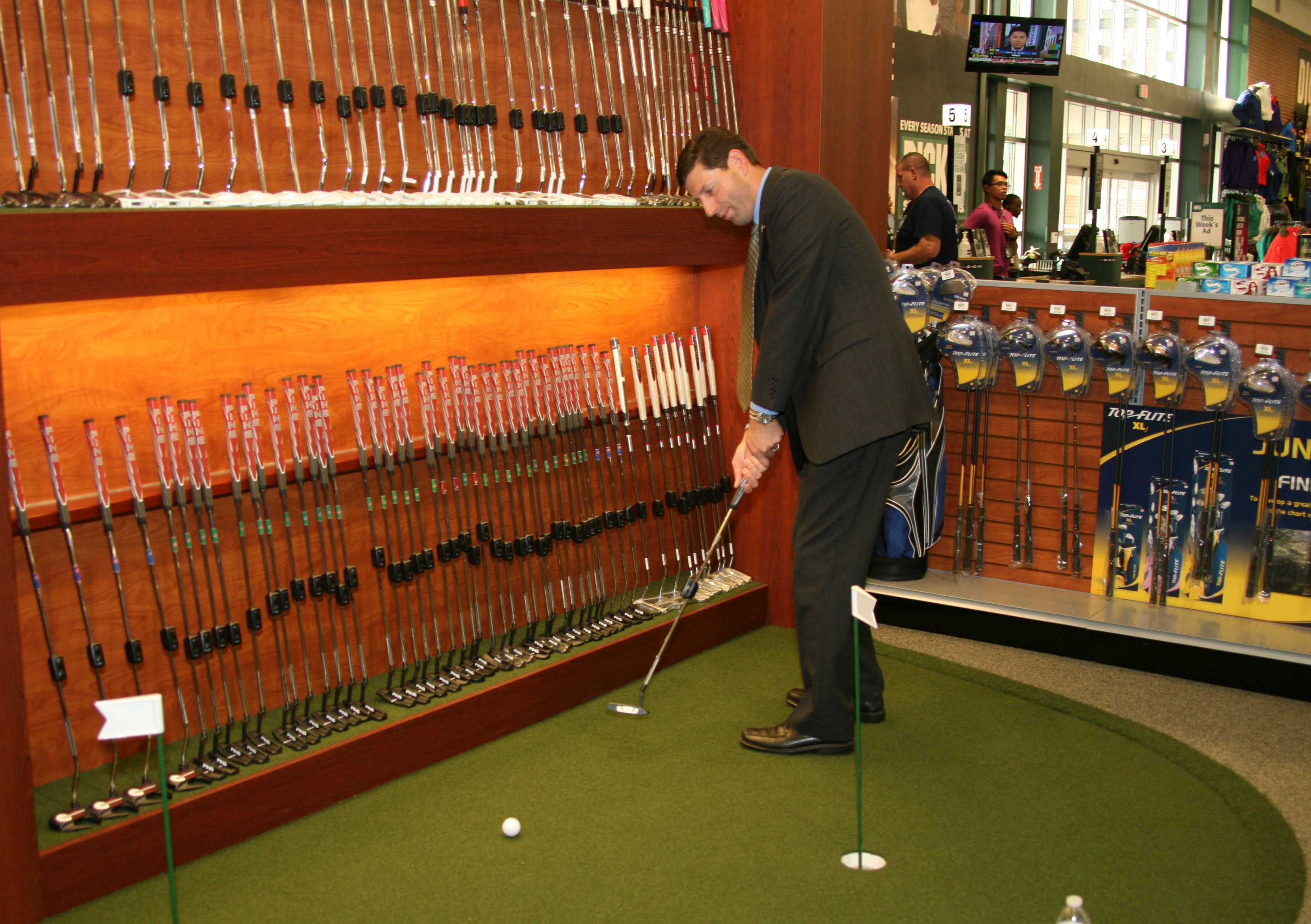 179216bd21094c46a4cc_Dicks_Sporting_Goods_Grand_Opening_-_09-10_2013_0090.jpg