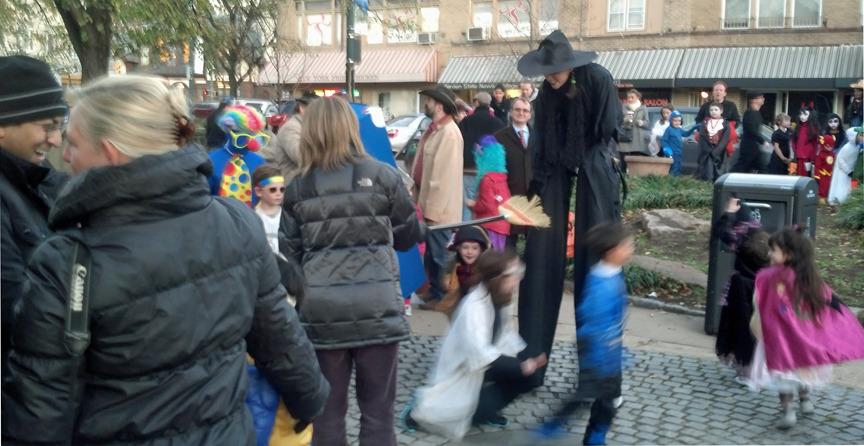 b1caf06a8e069fb2b491_Halloween_Spiotta_park.jpg