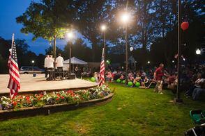 Doo Wop Concert for Vietnam Memorial a Rousing Success, photo 1
