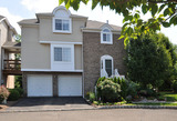 21 Whispering Way East, Berkeley Heights NJ: $509,000
