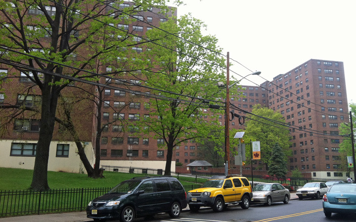 1e648fbbb6249c29893f_Lost_Ivy_Hill_Apartments.jpg