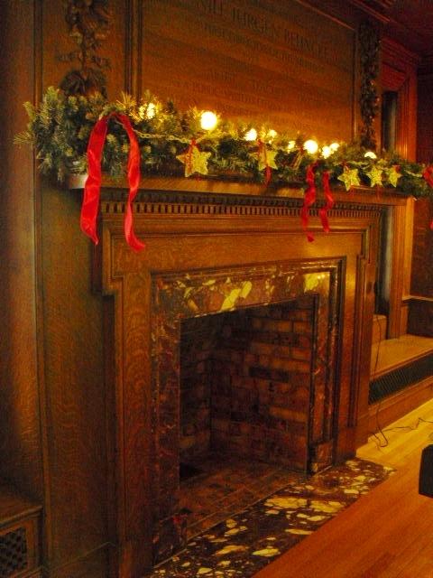 19e3bf11c07f25506713_Museum_dark_fireplace.jpg