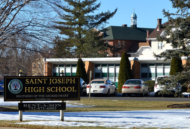 7b0dfbed44137dd168b7_St._Joe_s_sign_outside_school.JPG