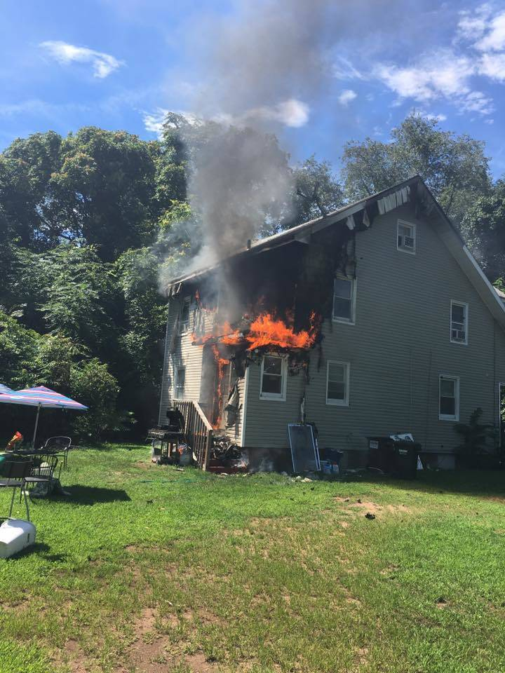 96a2d0bae4c2ba3f4506_Lakeview_Ave_Fire_1_credit_North_Stelton_Volunteer_Fire_Co.jpg