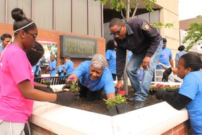 Roselle Comes Together for Community Clean Up Day, photo 16