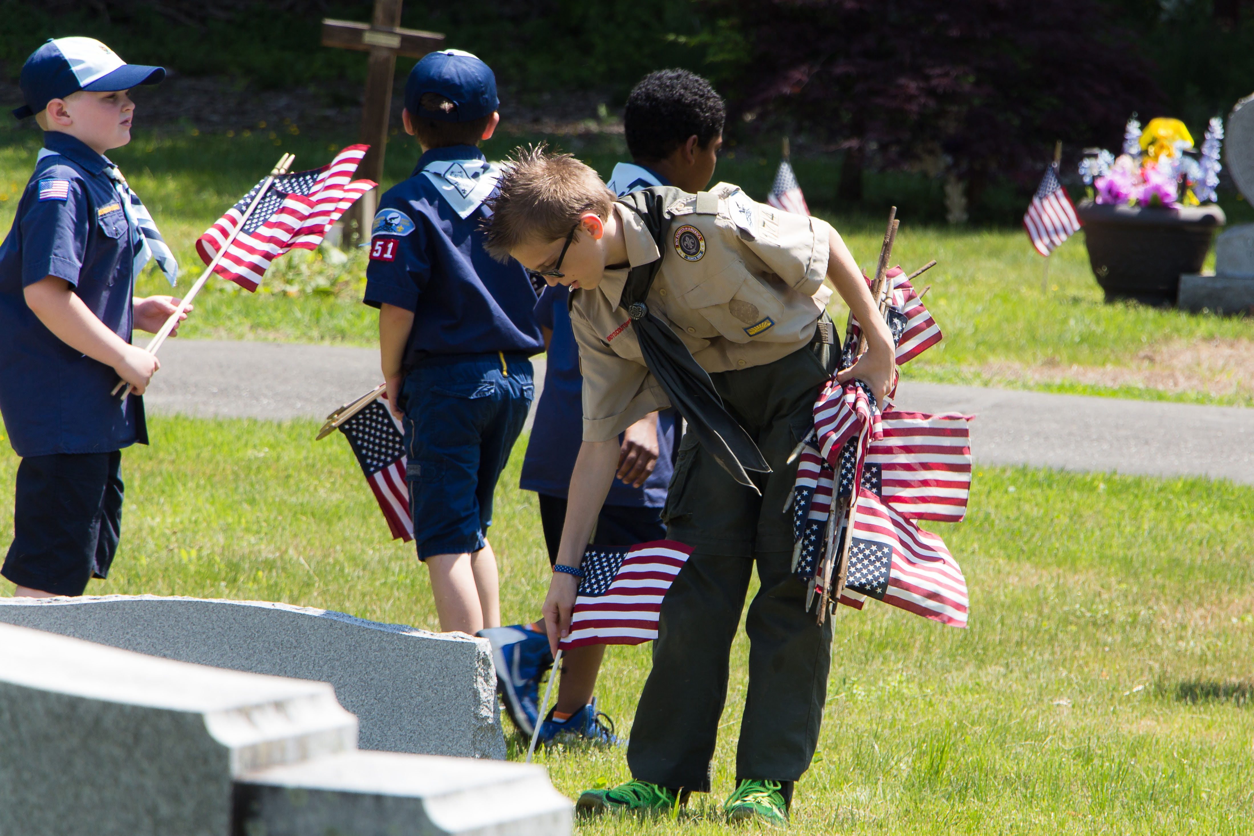 d601f9037aa424c9f1aa_20160528_Boy_Scouts_Memorial_Day_Flag_Settng_087.jpg