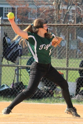 South Plainfield's Vill Strikes Out 10 in 6-0 Shutout of Roselle Park, photo 2