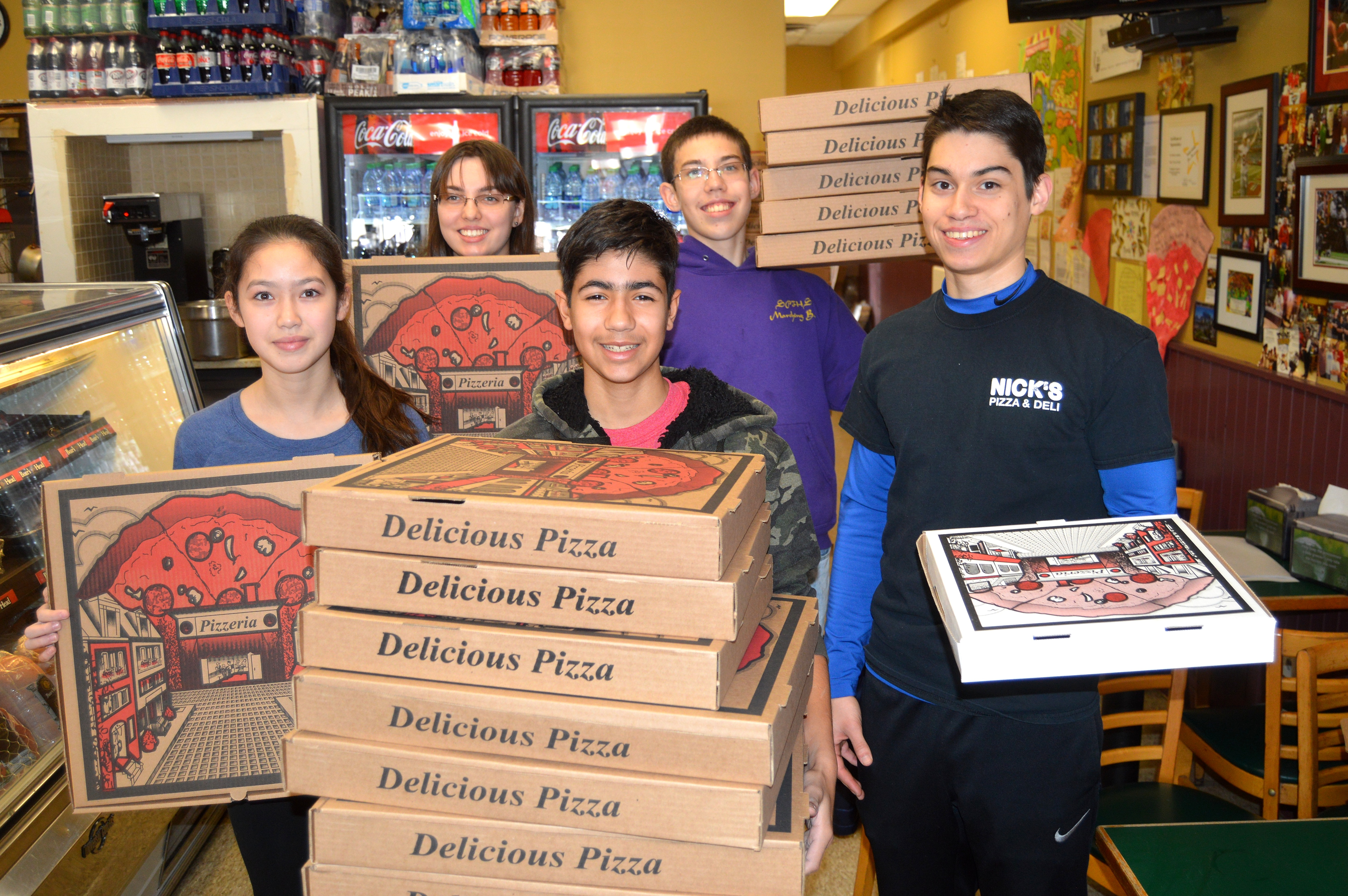 2b9f49efa68e8b2ef06d_Nick_s_Pizza_volunteers_-_2016.JPG