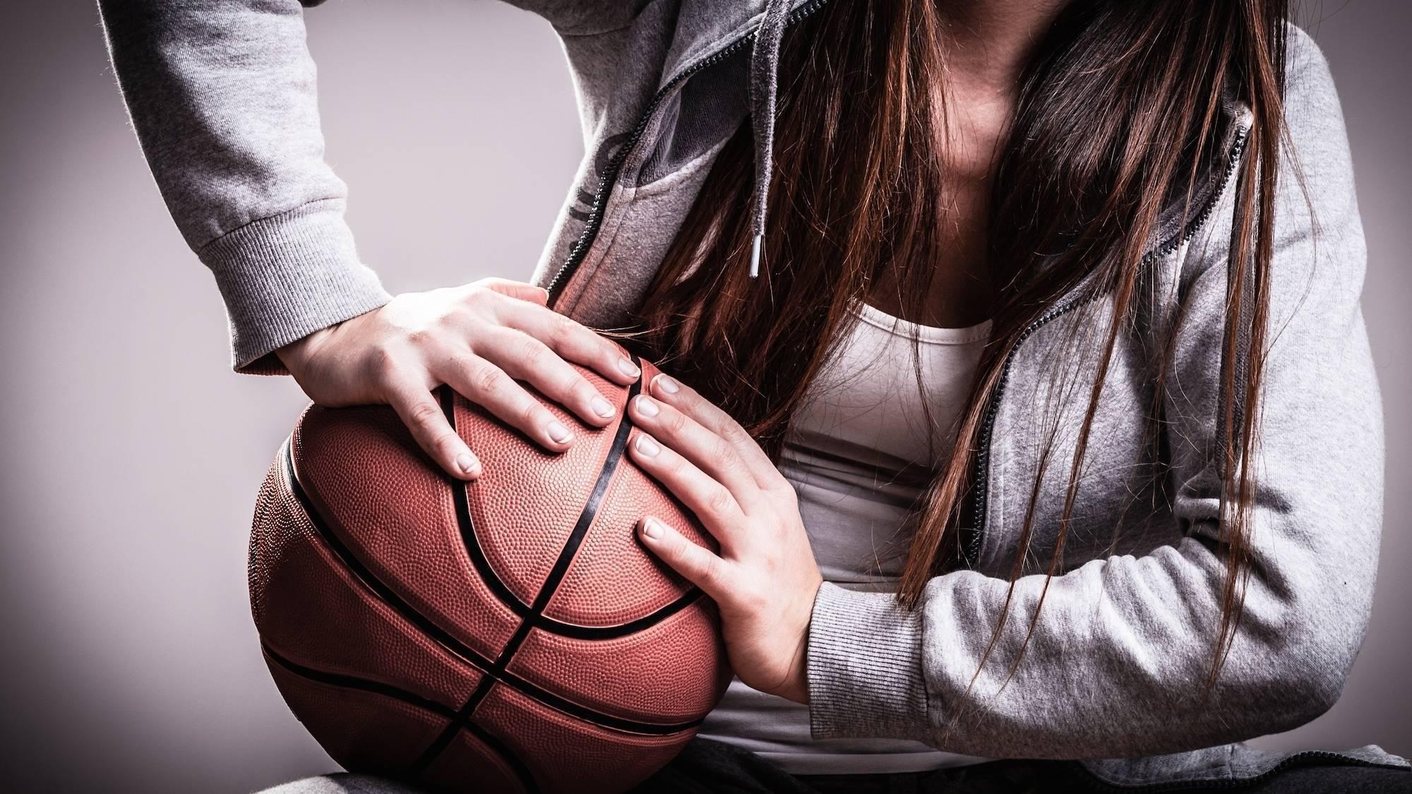 2fb916eae887b6a86141_cefc399418fecb9a38a5_e3fcf9394b071f34f19a_Basketball_2.jpg