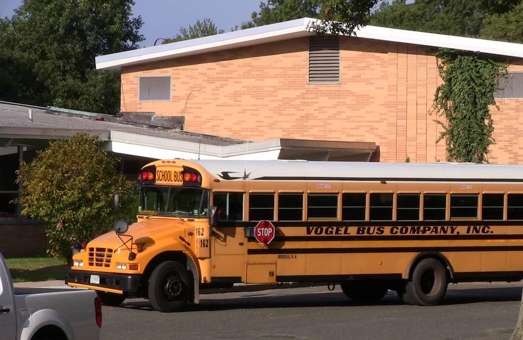 a16c569bd521beec5e54_Bus_drops_off_at_Coles.jpg