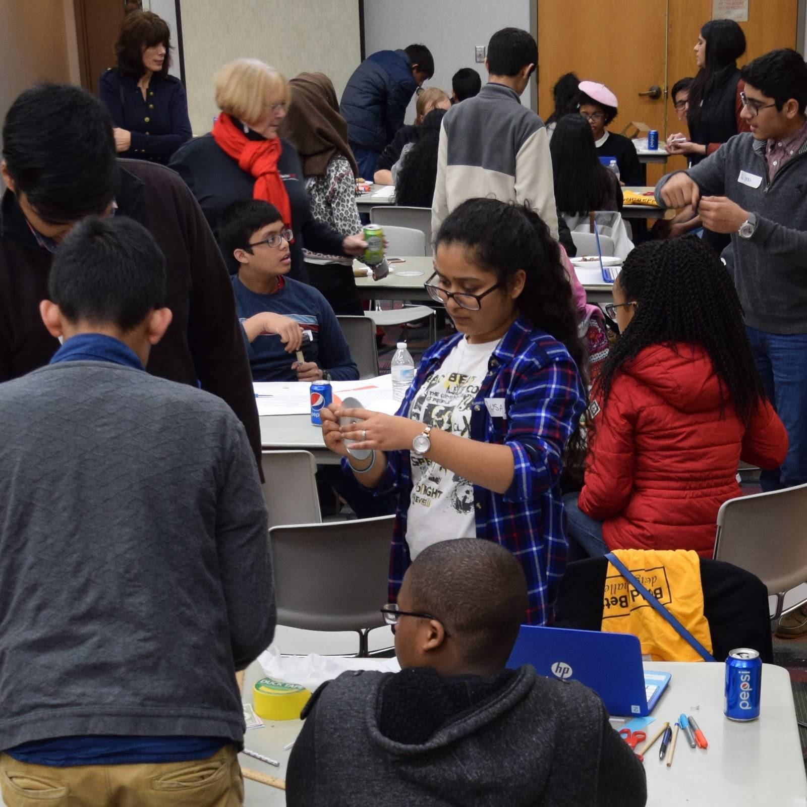 00021bde9c3376730a19_Piscataway_Library_-_Build_It_1.JPG
